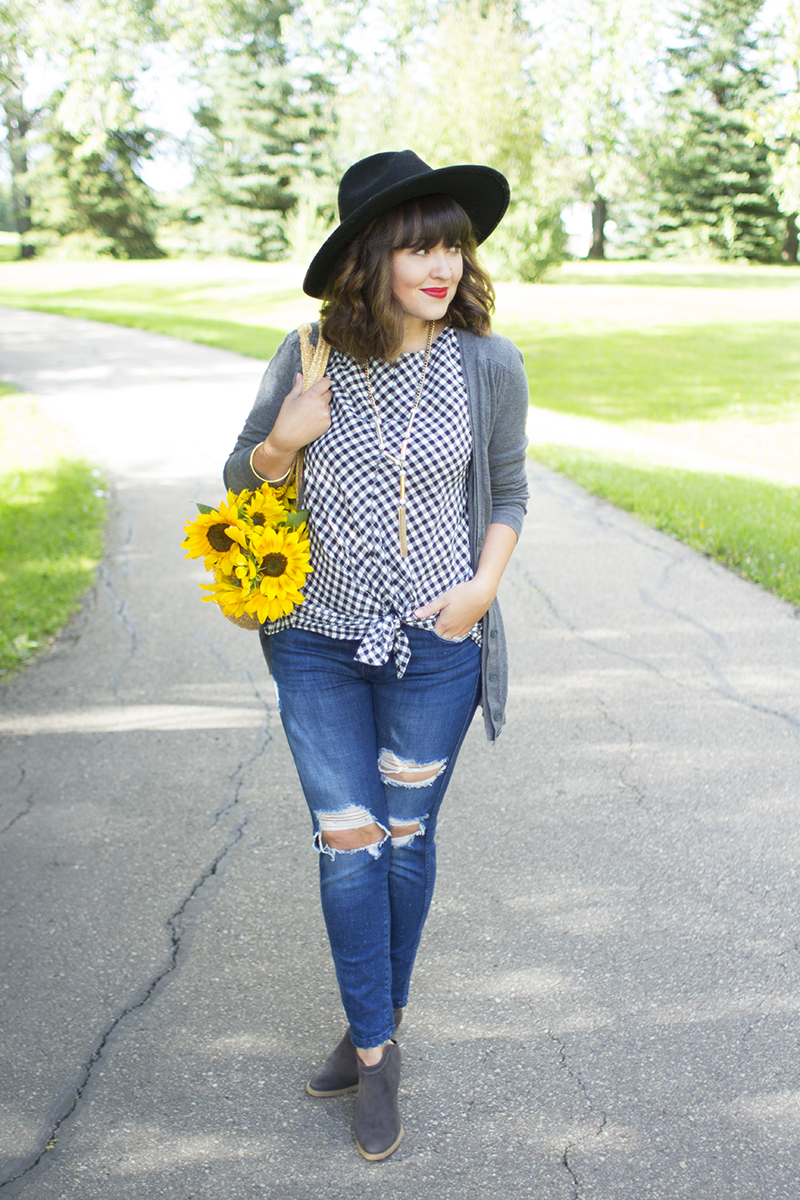 How to style distressed denim