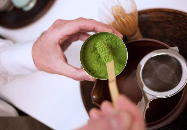 use of green tea powder