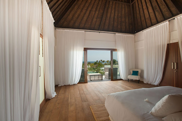 Picture of large tropical bedroom with the view