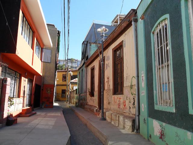 Visitar VALPARAÍSO e deslumbrar-se com as cores e elevadores da cidade | Chile