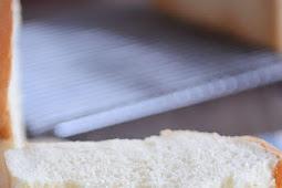 THE BEST WHITE SANDWICH BREAD
