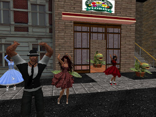 Little Shop of Horrors, Ariel w/Players