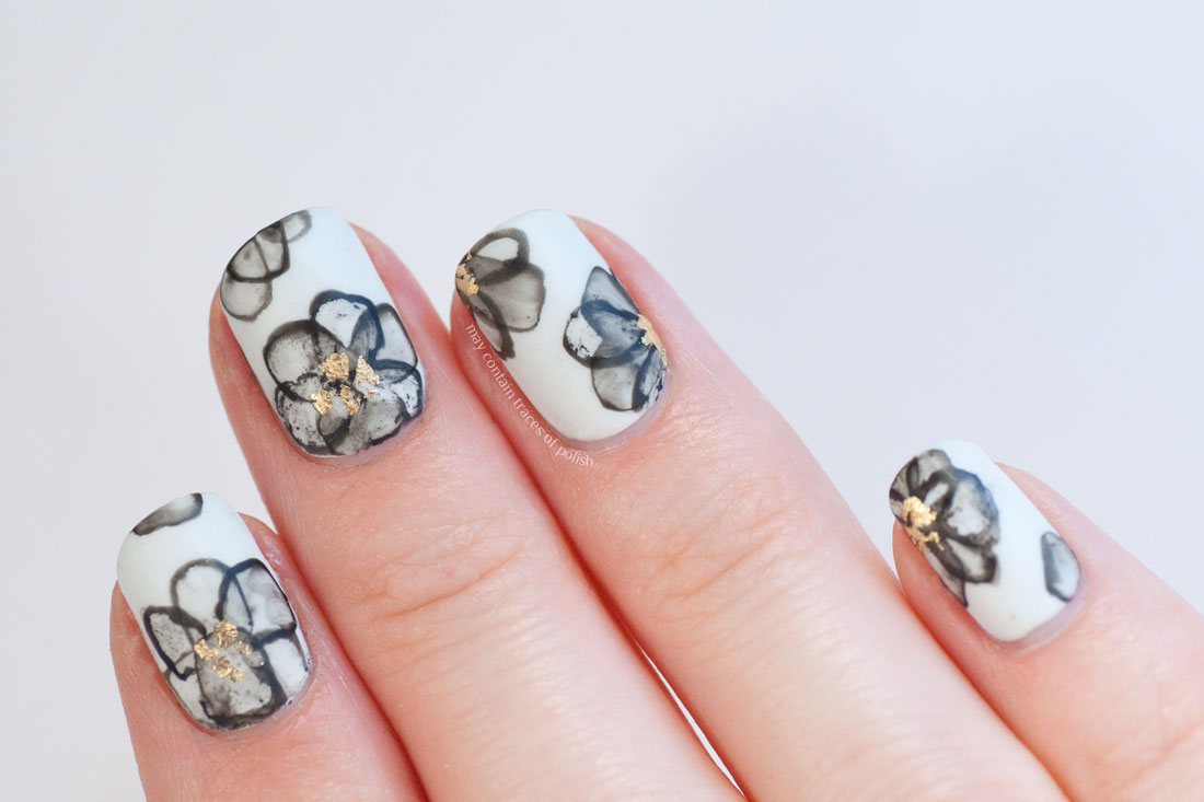 Black and White Flower Manicure