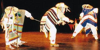 Foto de la danza de los viejitos en pleno baile