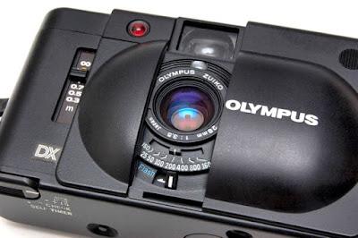 Olympus XA 4 Macro, Angled Front