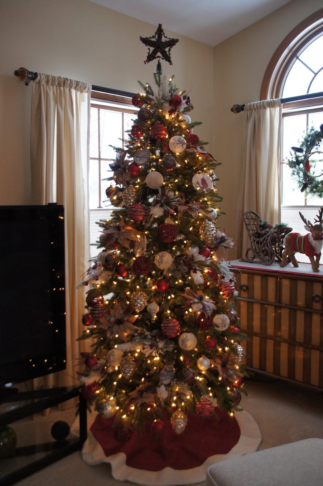 Home and Gardening With Liz: Christmas 2017 Mantel and Living Room