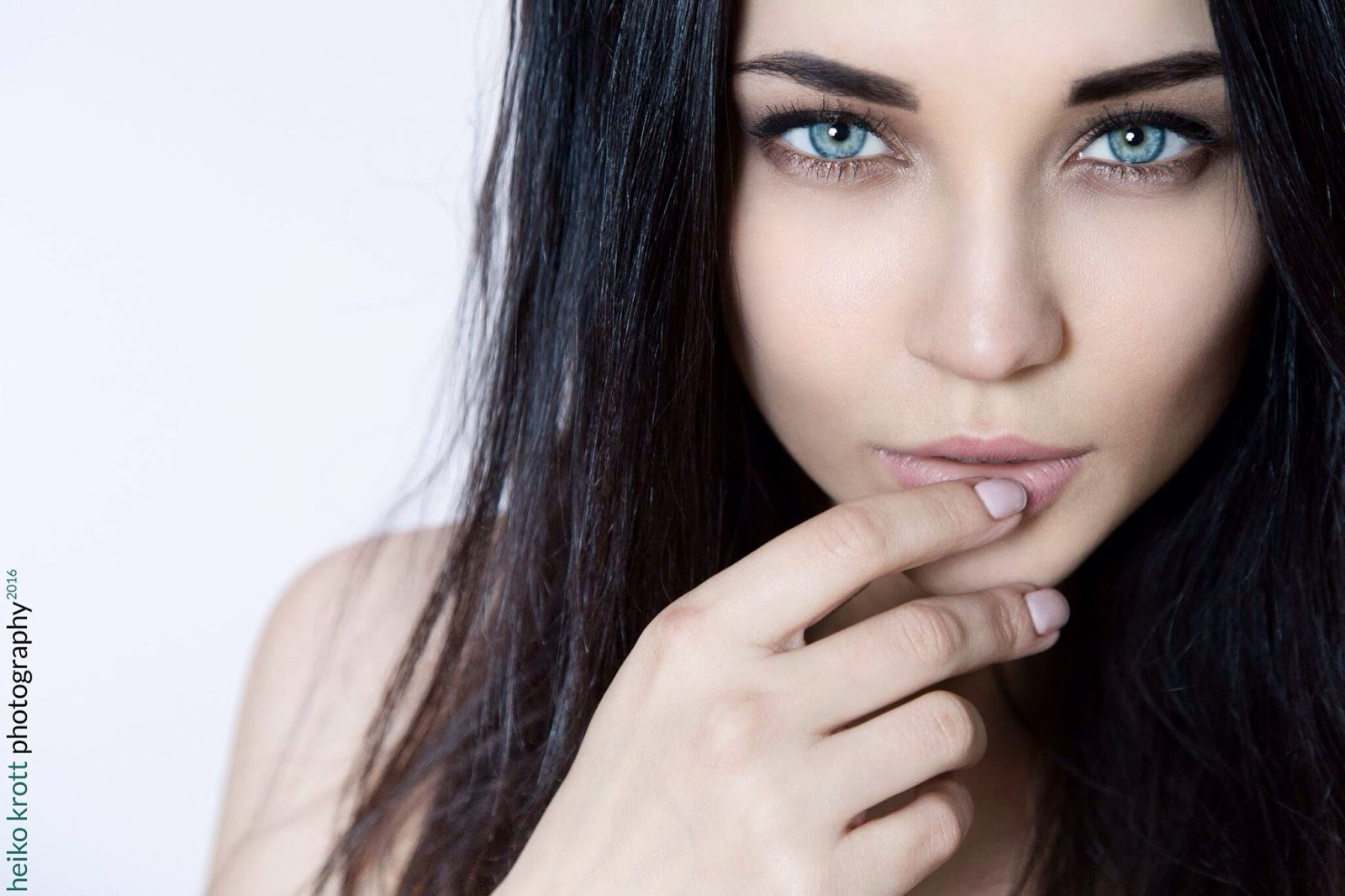 blue eye jewish single women Xvideos blue-eyed videos, free xvideoscom - the best free porn videos on internet, 100% free.