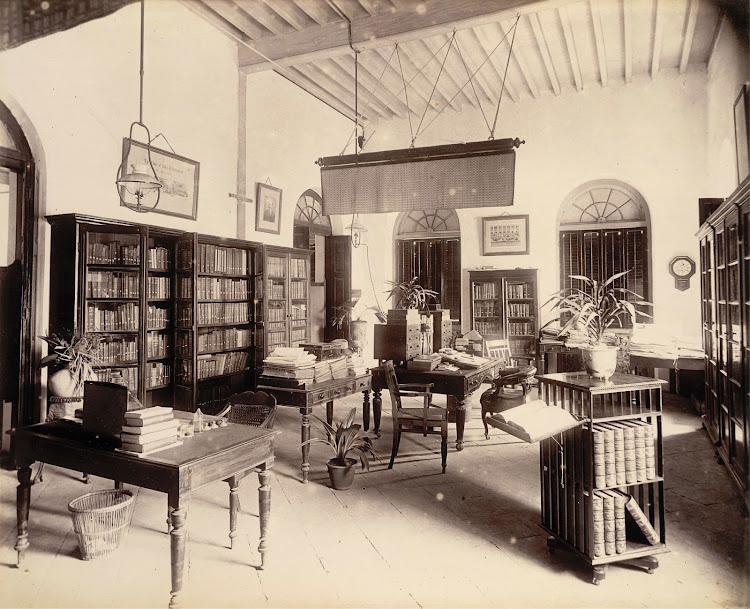 Editor's room