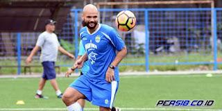 Persib Bandung vs Borneo FC: Djanur Pastikan Sergio van Dijk Main