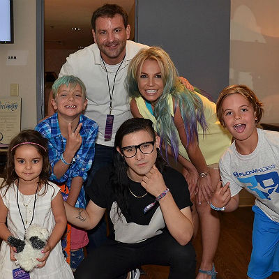 Britney Spears with her sons, niece and brother, Skrillex