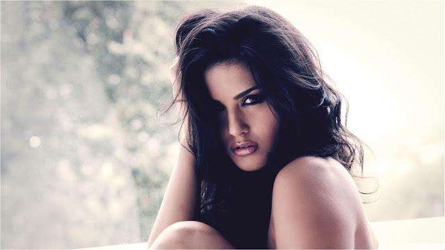 Sunny Leone sexy pics