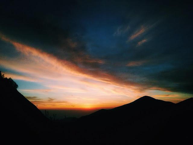 Mari Mendaki Ke Bukit Pergasingan di Lombok Timur