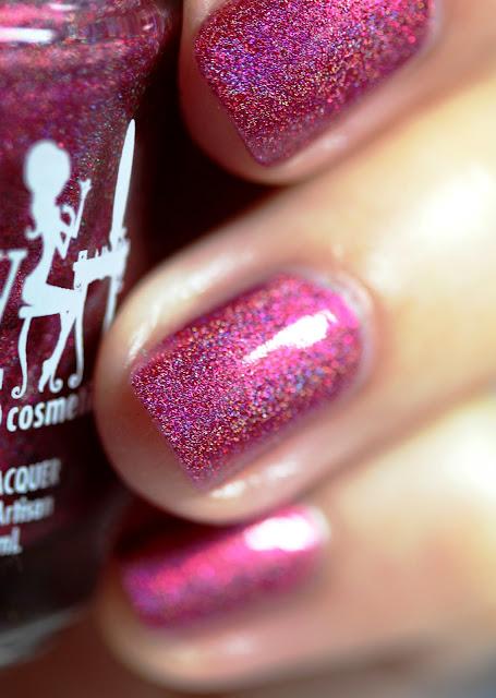 Girly Bits Cran-bury the Hatchet