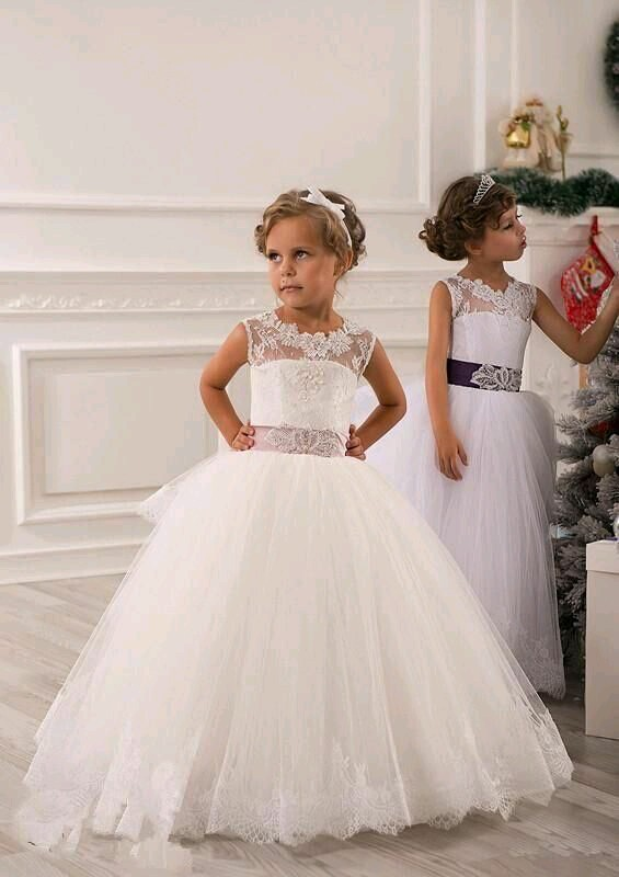 The Little Bride\'s Cinderella Moment - StyleHub Daily