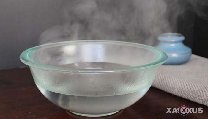 Cara mengobati sakit mata dengan air hangat