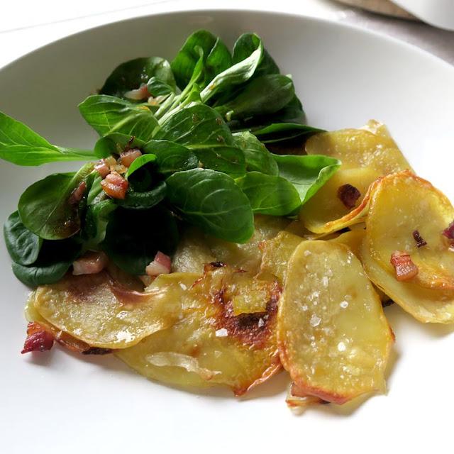 Wirklich so lecker, Bratkartoffeln mit Feldsalat! | pastasciutta.de