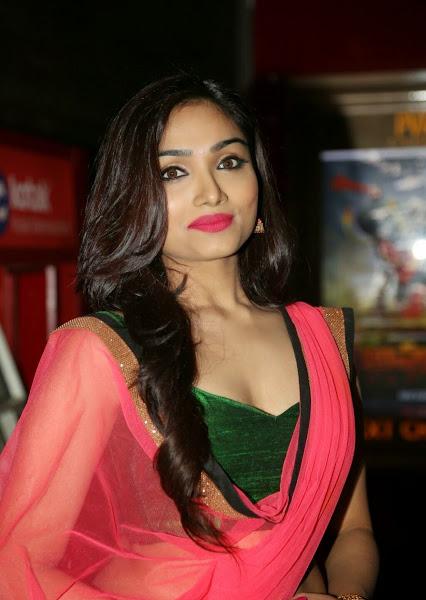 bindash bollywood: Aishwarya Devan