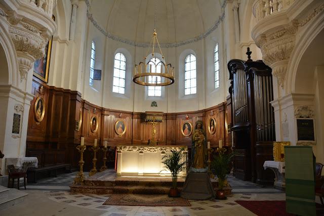 Notre Dame des domes avignon altar