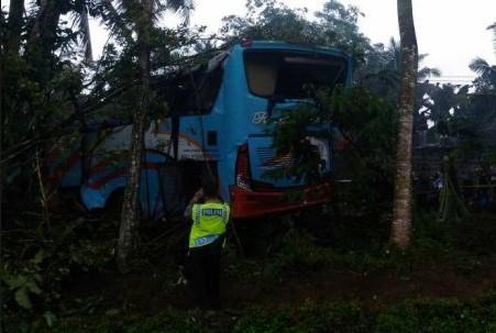 kecelakaan bus rosalia indah di purbalingga