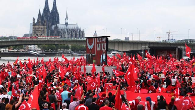 Γερμανία: Τεράστια δεξαμενή ψήφων για τον Ερντογάν η γερμανική κοινότητα της χώρας