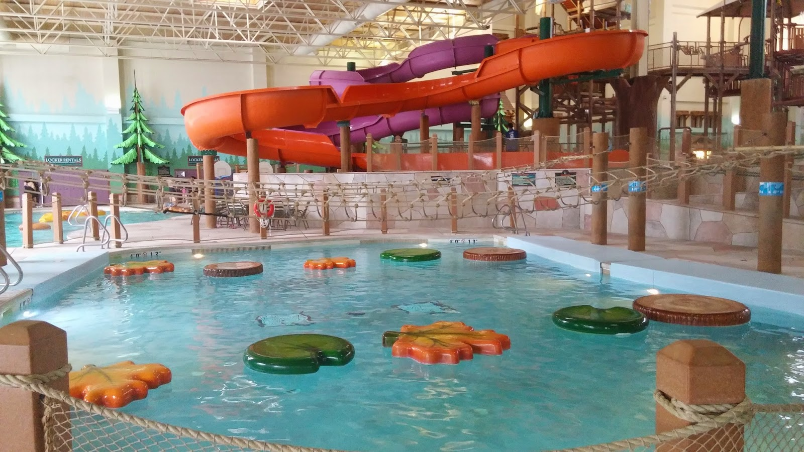 Great Wolf Lodge Niagara Falls - Water Park Frog Pond