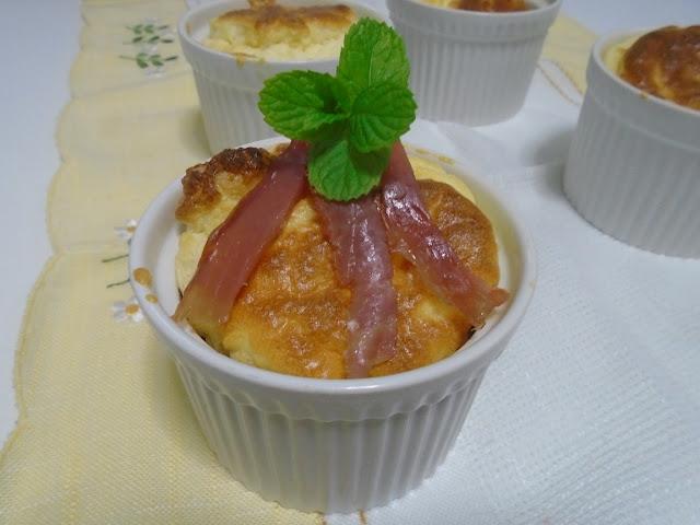 Soufflé de queso con jamón