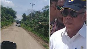 Menteri PUPR Kecewa Saat Melintasi Jalan Trans Yamdena yang Rusak Berat
