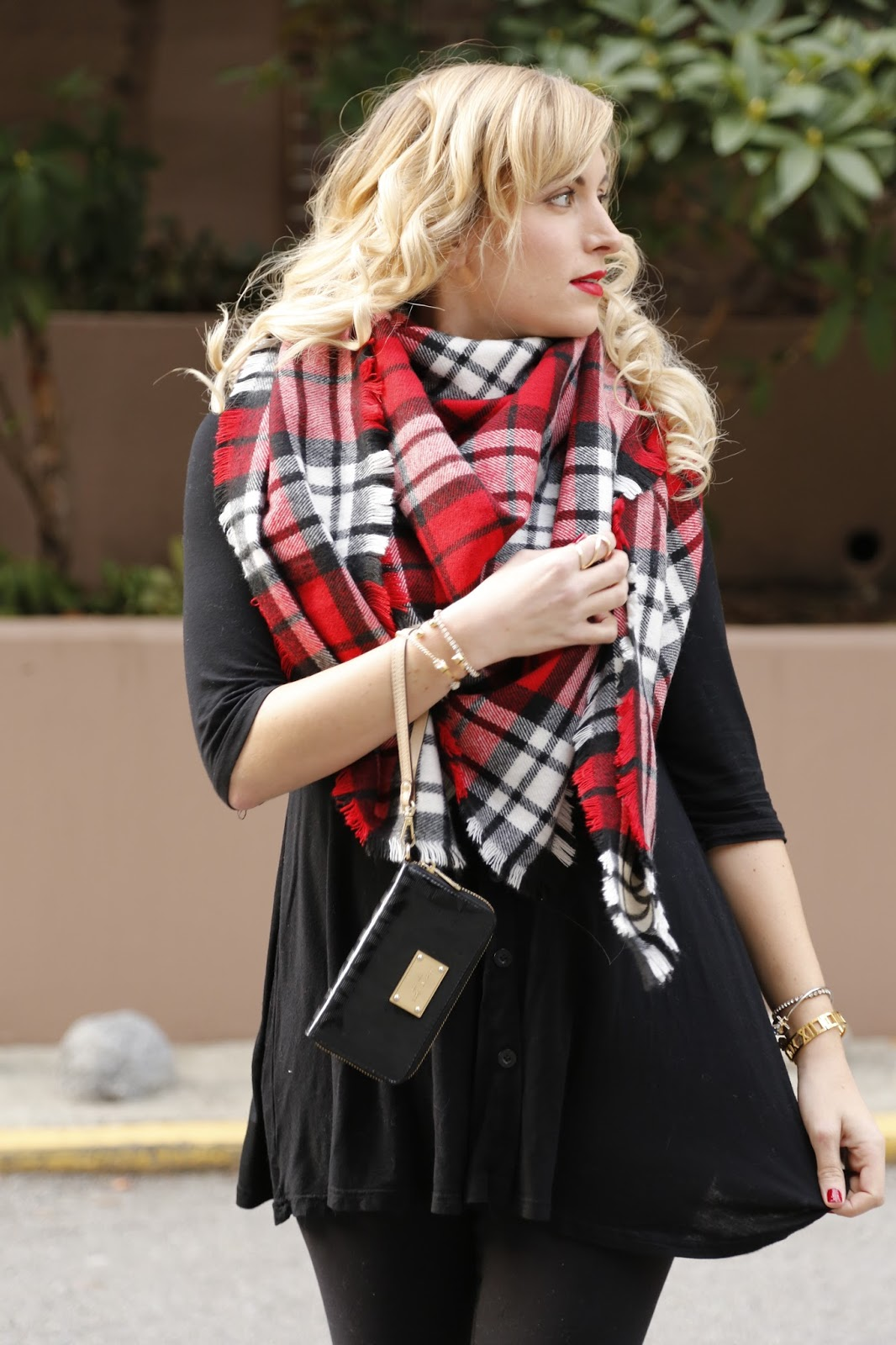 what-to-wear-with-red-plaid