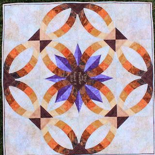 Metro-Rings-Medallion-Quilt