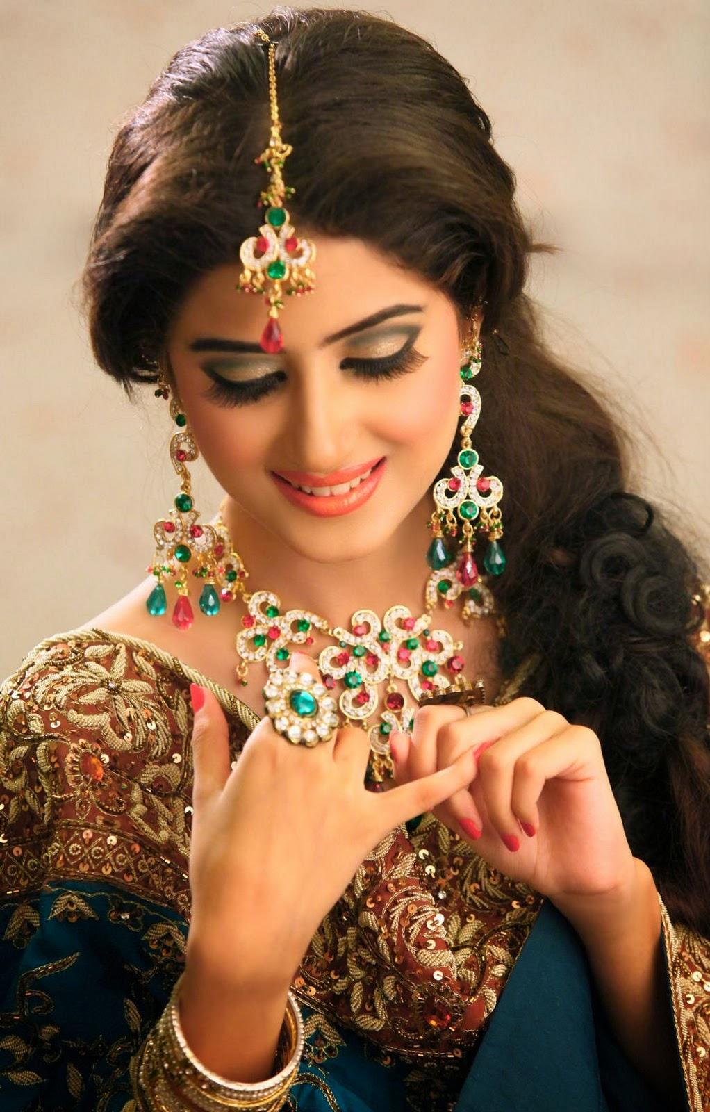 New Fashion Styles: Latest Pakistani Actress In Bridal