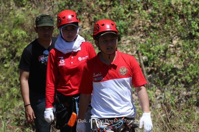 Viralkan Via Ferrata, Wabup Arifin dan Istri Panjat Tebing Sepikul
