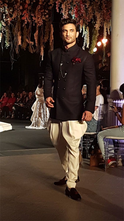 sushant singh rajput at Rajput at Lakme Fashion week 2016