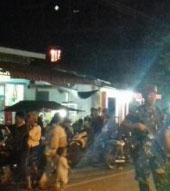 Hingga Selasa (15/5) pukul 22.00 WIB Personel TNI bersenjata lengkap melakukan pengamanan di lokasi penangkapan 7 tersangka teroris di Tanjungbalai.
