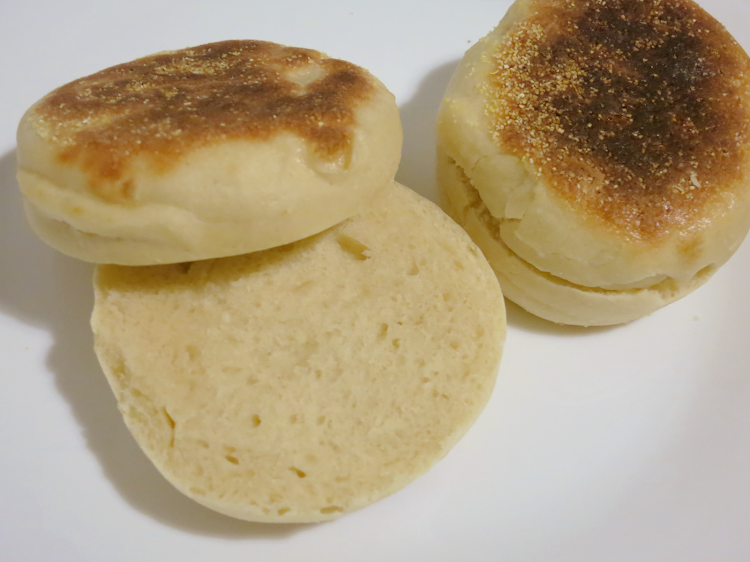 Pães ingleses (English Muffins)