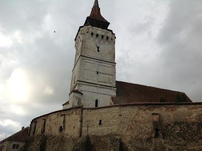 Rotbav, leomlott templomtorony, műemlék, szászveresmarti templom, Brassó, barcaság, Erdély,