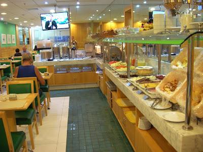 Buffet Hotel Astoria Copacabana, Río de Janeiro, Brasil, La vuelta al mundo de Asun y Ricardo, round the world, mundoporlibre.com
