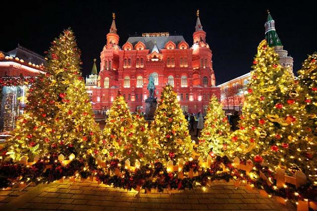 Η χριστουγεννιάτικη Μόσχα κλέβει παγκοσμίως τις εντυπώσεις - Εκπληκτικές εικόνες