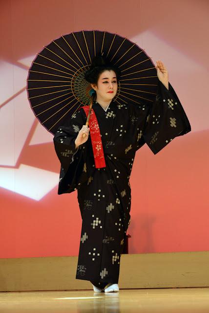 琉球舞踊花風