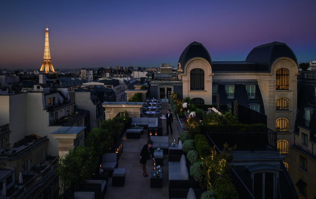 Passion for luxury hotel the peninsula paris for Luxury hotels paris france
