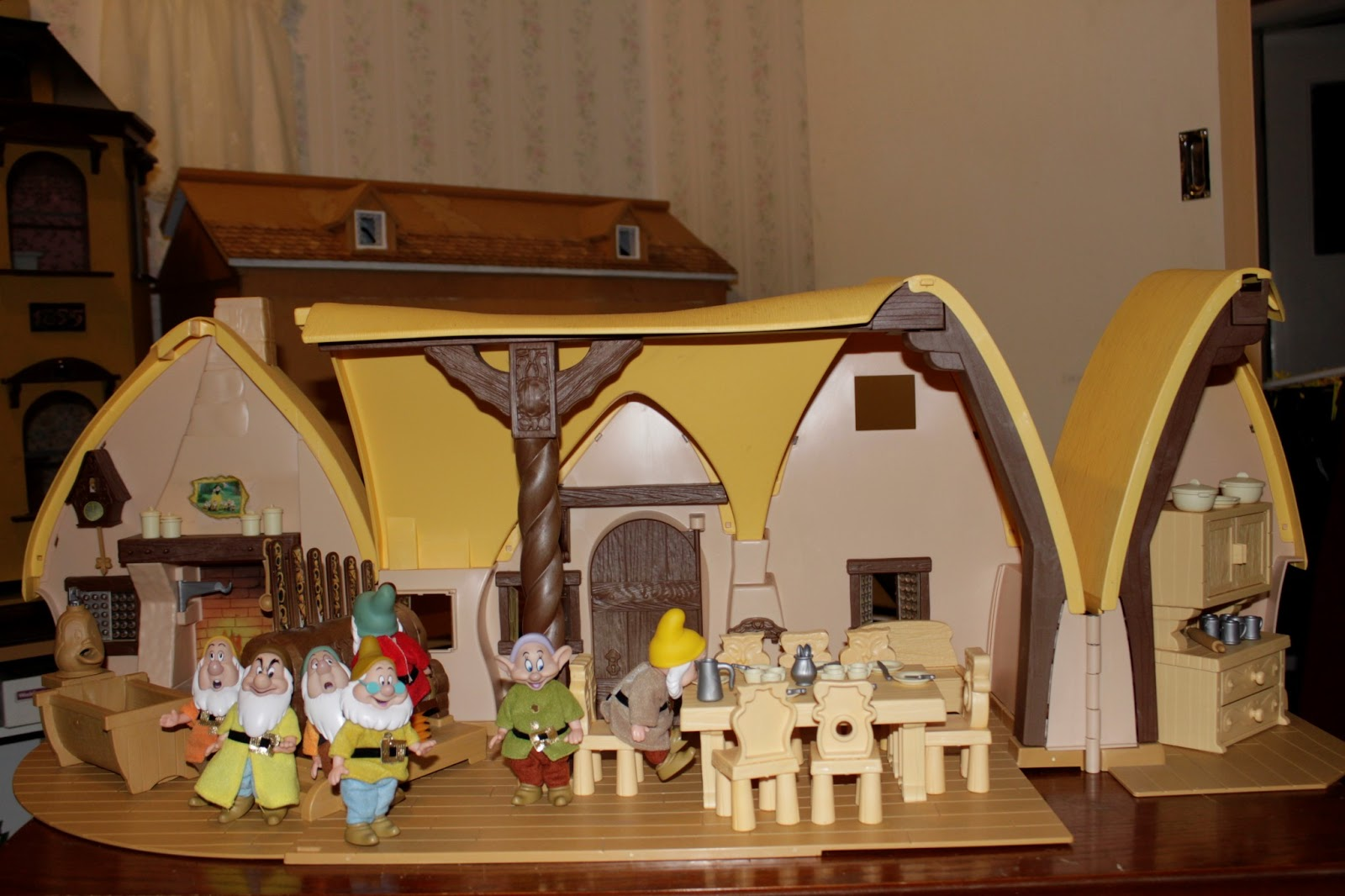 Myrtle Manor Miniatures Snow White And The Seven Dwarfs