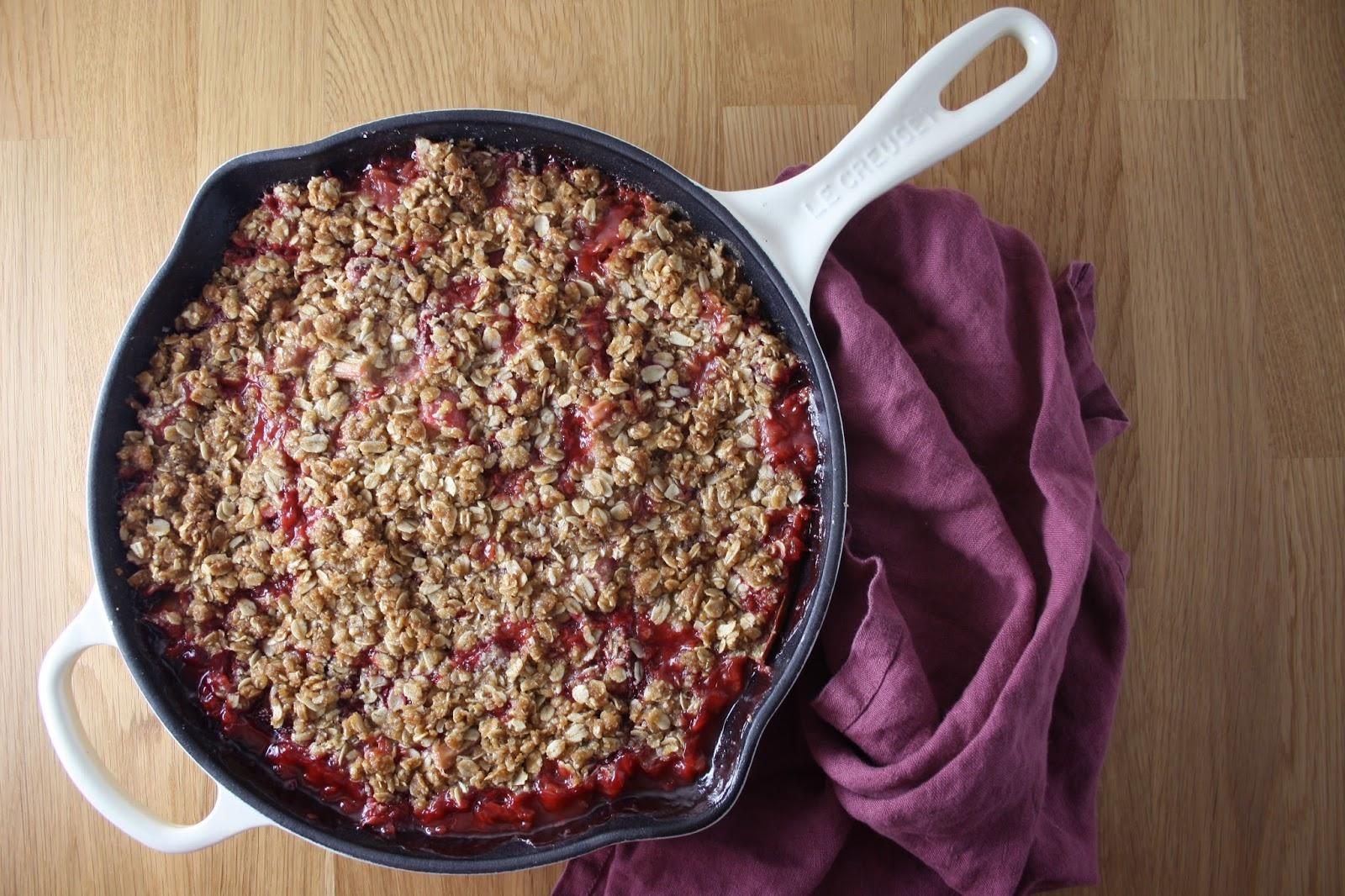 Strawberry Rhubarb Crisp #glutenfree #dairyfree | Sevengrams