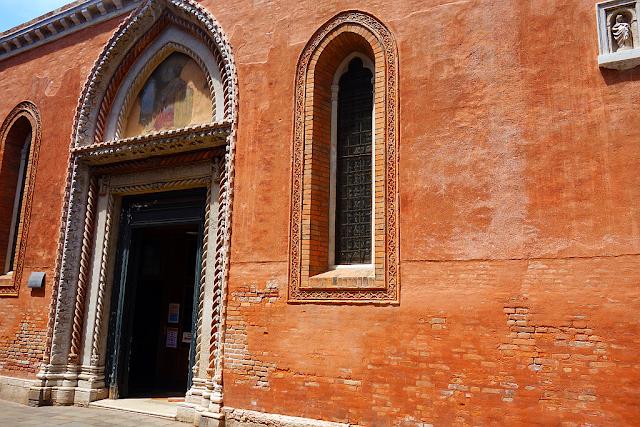 Jak se dostal pražský Karlův most do Benátek, kostel san polo, jan nepomucký, zažijte benátky jako místní, benátky průvodce, kam v benátkách, co vidět v benátkách, benátky památky, benátky historie, jak se najíst v benátkách, kde se najíst v benátkách, co ochutnat v benátkách, kam v benátkách na víno, benátky aperol spritz,