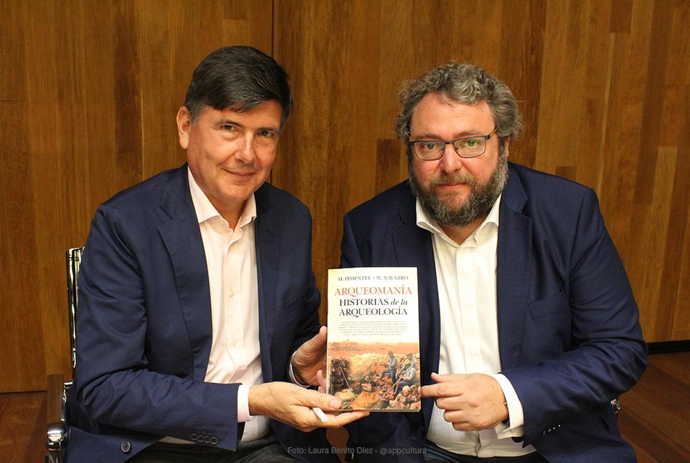 Presentación del libro 'Arqueomanía. Historias de la Arqueología' con Manuel Pimentel Siles y Manuel Navarro Espinosa en el Museo Arqueológico Nacional
