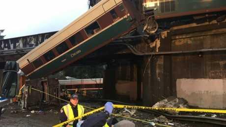 سقوط قتلى ونقل 78 إلى المستشفيات بعد حادث قطار واشنطن