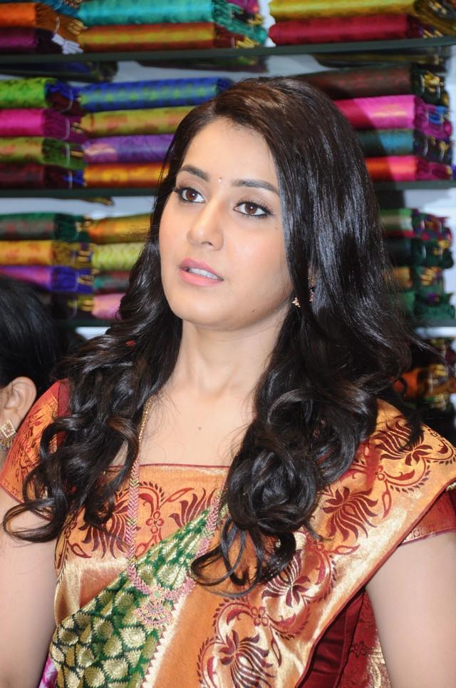 Rashi Khanna Stills At Vastralakshmi Wedding Mall Launch