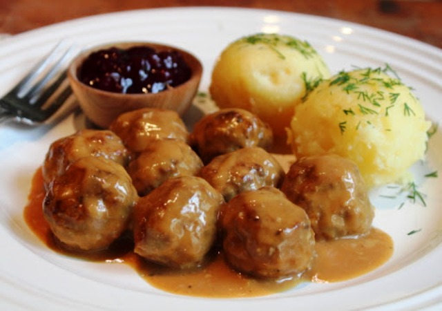 http://balkon3.com/en/traditional-swedish-meatballs/