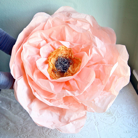 Giant paper flowers DIY