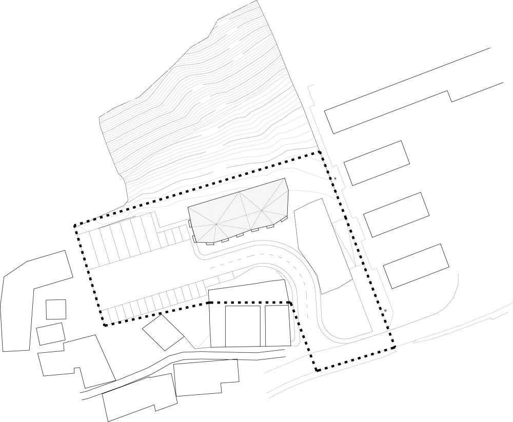 Site plan drawing © courtesy of zon e arquitectos