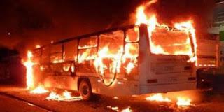 بنزرت: اصطدام حافلة لنقل العمال بعمود كهربائي واشتعالها بالكامل