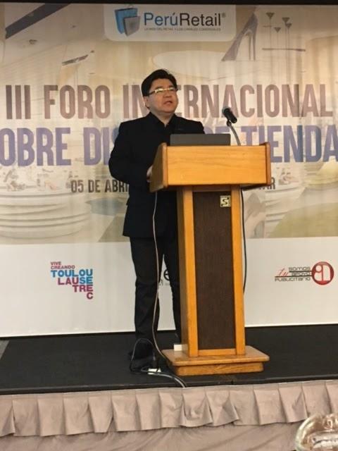 Arquiteto Julio Takano abre o III Fórum Internacional sobre Desenho de Lojas, no Peru